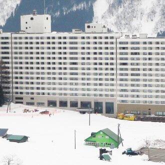 湯沢中里スノーリゾート ホテル外観